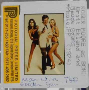 Roger Moore Maud Adams Britt Ekland Slide 35mm Photo James Bond MWTGG